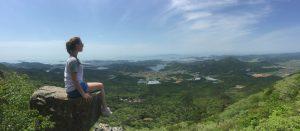 Vue du sommet d'une colline